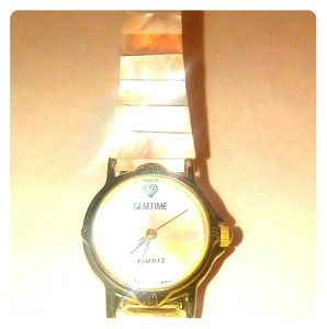 GEM-TIME Watch with Mother of Pearl